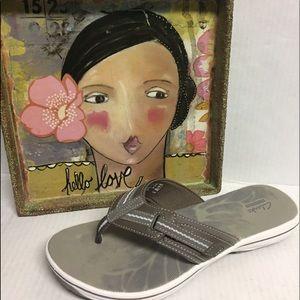Clarks Brinkley 10 Gray Flip Flip Sandals NWOB